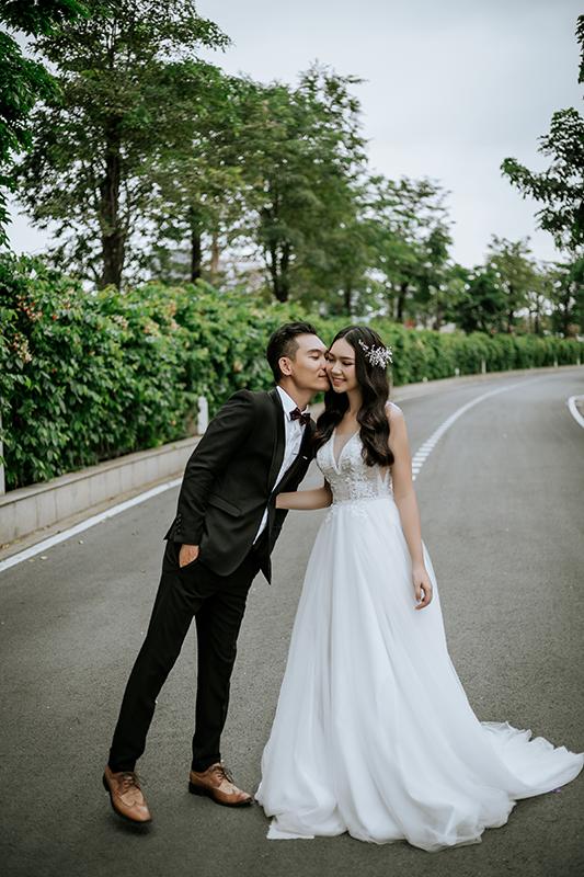 Chụp ảnh cưới ngoại cảnh Sài Gòn