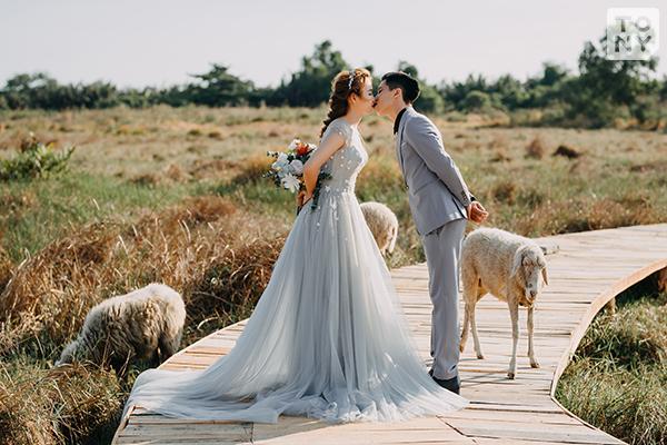 Chụp hình cưới phim trường